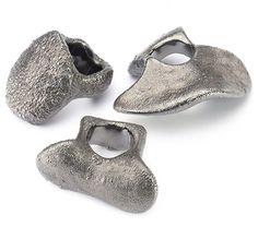 BARBARA UDERZO-IT  Rings: Deinos 2006  Silver electroforming (ruthenium electroplating)  2,9x 3,6 x 3,5 cm  5,9 x 2,4 x 4,9 cm  4,7 x 2,2 x 3,2 cm