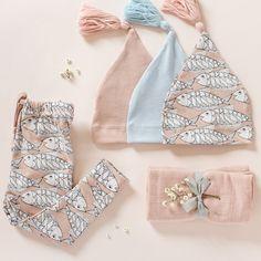 Sélection Moumout' pour une petite fille • Bonnets de naissance • Legging imprimé saumon • Lange uni rose pastel •
