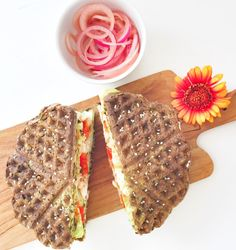 Grønne sandwichvafler til madpakken Healthy Cooking, Healthy Life, Healthy Eating, Cooking Recipes, Healthy Recipes, Sandwiches, Fresh Eats, Waffle Sandwich, Food Styling