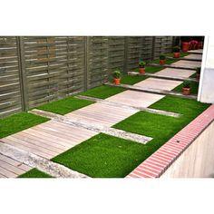 1000 images about gazon synthetique id es d co on for Decoration jardin gazon synthetique