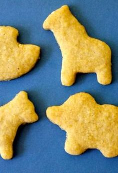 Click here to see how to make your own animal crackers.
