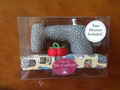 Collectible-DRITZ-PIN-CUSHION-SEWING-MACHINE-W-Tape-Measure-Included