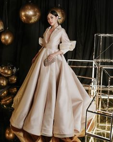 Designer Michael Leyva's gown makes it to the best-dressed list a third time as Janella Salvador presents elegance in her Maria Clara-inspired gown. Formal Dresses With Sleeves, Nice Dresses, Modern Filipiniana Gown, Promotion Dresses, Pageant Dresses, Couture Fashion, Designer, Beautiful Dresses, Dress Outfits