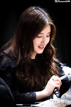 10 Simple Makeup Tutorials That Make Your Face Younger Beautiful Girl Photo, Beautiful Girl Image, Beautiful Asian Girls, Beautiful Smile, Cute Beauty, Beauty Full Girl, Beauty Women, Dehati Girl Photo, Korean Beauty Girls