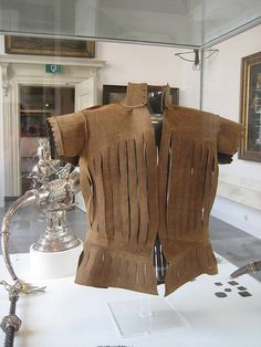 Amsterdam Historische Museum An awesome leather doublet, c. 1550 - 1600. This is a restoration, but at the core it's original.