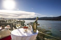 It goes without saying: a grande dame on the Zurich hotel scene, Eden au Lac has created the swishest of the swish rooftop bars. High above Seefeld on the shore Stuff To Do, Things To Do, Sky Bar, Best Pubs, Rooftop Bar, Stunning View, Neon Lighting, Countries Of The World, Wine Tasting
