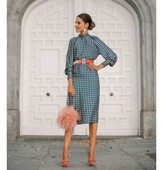 Simple Dresses, Dresses For Work, Winter Wedding Outfits, Fiesta Outfit, Spring Wear, Office Attire, The Dress, Dress Codes, Women's Fashion Dresses