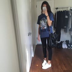 Grunge style 687643436835542777 - Fashion grunge style inspiration Ideas Source by Hipster Outfits, Grunge Outfits, Neue Outfits, Grunge Fashion, Chic Outfits, Fashion Outfits, Womens Fashion, Fashion Fashion, Fashion Stores