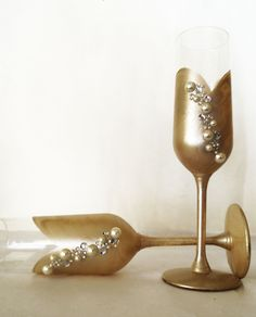 Night at the Gala – Champagne Toasting Glasses