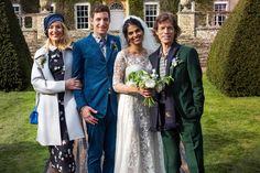 Mick Jagger y Jerry Hall con su recién estrenado marido, Rupert Murdoch, coinciden en la boda de su hijo James Jagger contrajo matrimonio con Anoushka Sharma en Cornwell Manor (Oxfordshire)