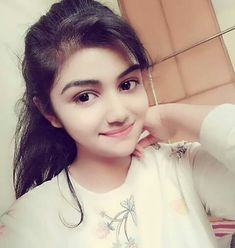 CHura ke dil ko adaa se muskarate ho cHOr ho tum muftt me dil churate ho Beautiful Girl Photo, Cute Girl Photo, Beautiful Girl Indian, The Most Beautiful Girl, Beautiful Eyes, Sweet Girl Pic, Sweet Girls, Cute Girls, Pretty Girls