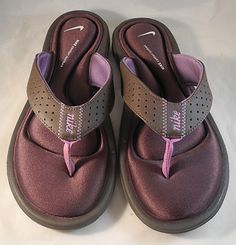 Women's Size 8 Nike Flip Flop w/ Comfort Footbed - Never Worn i have pink ones Nike Flip Flops, Flip Flop Shoes, High Heel Boots, Shoe Boots, High Heels, Nike Flats, Good Brands, Comfortable Sandals, Sport Wear