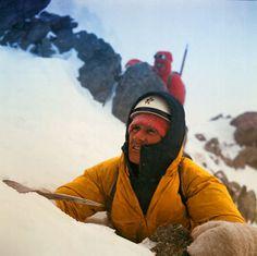 walter bonatti climbing mont blanc Climbing Mont Blanc, Mountain Style, Extreme Sports, Climbers, The Great Outdoors, Adventure, Life, Climbing, Photos