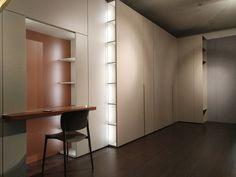 Showroom #maviarreda #soluzioni per interni #caccaro #armadisumisura# Showroom, Divider, Furniture, Home Decor, Homemade Home Decor, Home Furnishings, Interior Design, Home Interiors, Decoration Home