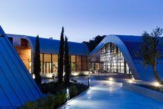 LAD manipulates rays of light in olgiata sporting club - designboom   architecture