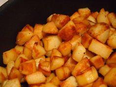 Si il y a bien une madeleine de Proust pour moi, ce sont les pommes de terres sautéesque nous faisaient ma grand-mère le week end en accompagnement d'un poulet rôti.Je vous livre ici une recette que faisaient déjà la mère de ma grand-mère… une vraierecette de famille!Cela prend plus de temps que des pommes de …