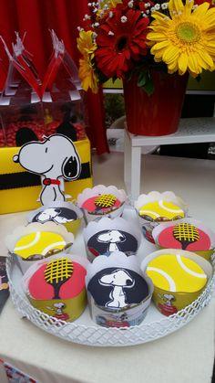 snoopy party event snoopy tennis cupcake birthday party events doğumgünü organizasyonları konsept süsleme