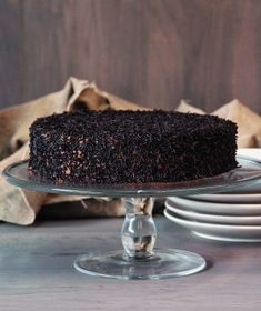 Classic chocolate cake recipe in Greek Greek Sweets, Greek Desserts, Party Desserts, Greek Recipes, Cake Frosting Recipe, Frosting Recipes, Chocolate Sweets, Chocolate Recipes, Sweets Recipes
