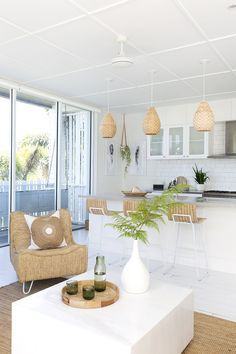 🌟Tante S!fr@ loves this📌🌟 Australian Interior Design, Australian Home Decor, Spanish Interior, Decor Interior Design, Design Bedroom, Beach House Decor, White Decor, Decoration, Decorating Your Home