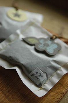 Christmas Chai tea recipe... can make storage bags or make individual tea bags...