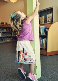 Bookworm skirt. I need one of these, now.