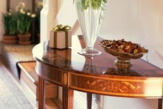 Learn to attract best feng shui energy to your house with the best feng shui main entry decor.