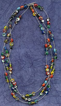 IDEA: Colorful Foil Beads Necklace (eebeads.com) After this looong winter, I'm looking for BRIGHT ideas to string my most colorful mixes of beads! :)  update 01/2015 eebeads is now closed.