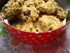 Oaty cookies - glace cherries instead of raisins? Oat Cookie Recipe, Biscuit Recipe, Cookie Recipes, Dessert Recipes, Desserts, Drink Recipes, Oat And Raisin Cookies, Oatmeal Cookies, Oaty Biscuits