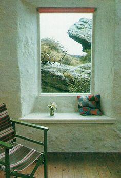 THE DECORATING BOOK | Mary Gilliatt ©1981