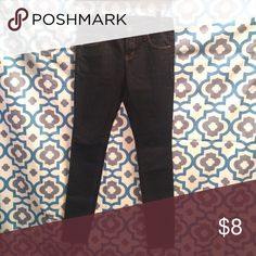 Forever 21 Skinny Jeans No trades, swaps or off-posh transactions, no exceptions! Measurements can be provided upon request. Any item in my closet $10 and under can be bundled for free with any purchase of $10 or more, just ask when purchasing! All bundles save 30%! Please feel free to make an offer so the price is right! Happy poshing! Forever 21 Jeans Skinny