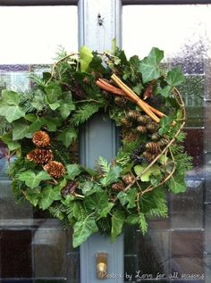 Foliage wreath - such a welcoming sign - so is a scented house Christmas Front Doors, Christmas Door Wreaths, Christmas Door Decorations, Christmas Arrangements, Holiday Wreaths, Christmas Pops, Christmas Flowers, Christmas Door Decorating Contest, Natal Diy