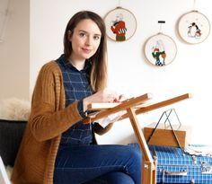 Entrevistamos a la bordadora francesa Marion Romain para que nos explique como empezó a bordar , como es su proceso creativo y que consejos tienen para bordadoras que empiezan.