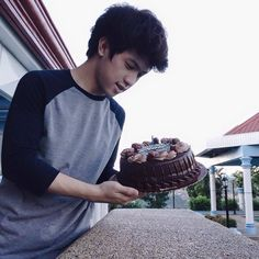 Birthday cake from panday fam! Ranz Kyle, Birthday Cake, Artist, Birthday Cakes, Birthday Cookies, Artists