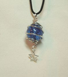 Diy Jewelry Making Necklace Cracked Marbles Ideas For 2019 Wire Wrapped Jewelry, Wire Jewelry, Jewelry Crafts, Beaded Jewelry, Jewelry Necklaces, Handmade Jewelry, Marble Necklace, Marble Jewelry, Diy Necklace