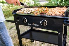 Blackstone Griddle Station: Blackstone Outdoor Griddle Cooking Station with Base Flat Top Griddle, Griddle Grill, Outdoor Griddle Recipes, Blackstone Grill, Grill Rack, Bbq Grill, Hibachi Grill, Barbecue, Backyard Cookout