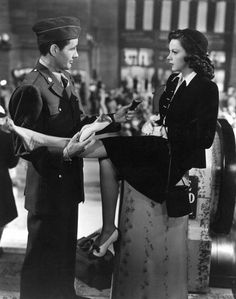"""Judy Garland with Robert Walker in """"The Clock"""". (Absolutely love her outfit!)"""