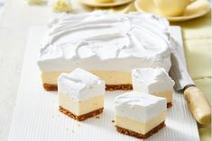 soft, fluffy, delicious Lemon Marshmallow Slice will seriously impress - trust us!This soft, fluffy, delicious Lemon Marshmallow Slice will seriously impress - trust us! Lemon Recipes, Sweet Recipes, Orange Recipes, Yummy Recipes, Marshmallows, Cakepops, Marshmallow Slice, No Bake Slices, Cake Slices