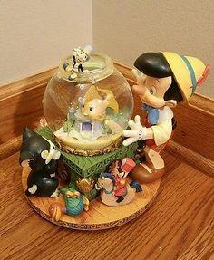 Disney Pinocchio Musical Toyland Snow Globe by Victor Herbert. NO RESERVE! LOOK!