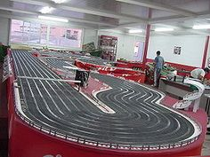 SCALEXTRICH 8 LANES, can be done so that all cars run equal distance, with or without bridges. may change lane too . Slot Car Race Track, Slot Car Racing, All Cars, High Quality Images, Image Search, Bridges, Distance, Change, Circuits