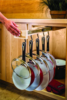 Glideware GLD-W22-SC-7 22in D Pan/Utility Organizer with Ball Bearing Slides, 7 Hooks, Maple Wood - Woodworker Express