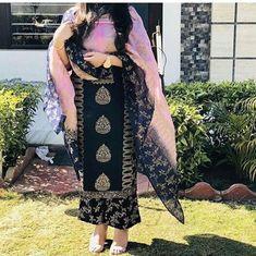 New Punjabi Suit Design New Punjabi Suit, Latest Punjabi Suits, Punjabi Suits Party Wear, Punjabi Salwar Suits, Punjabi Dress, Indian Party Wear, Indian Wear, Patiala Salwar, Kurti