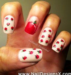 apple 4 nail design