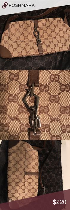 Gucci Beige/Ebony Canvas Baguette Gently used Gucci Bags