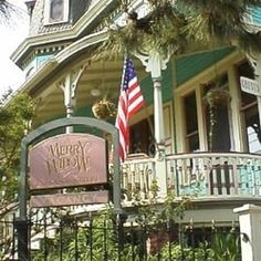 The Merry Widow - Bed & Breakfast - 42 Jackson St, Cape May, NJ ...