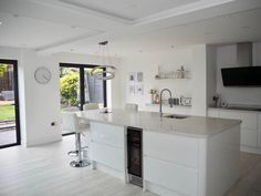 Want to see a home tour for a contemporary open plan kitchen diner extension? Photo credit: Rachael Casey Want to see a home tour for a contemporary open plan kitchen diner extension? Open Plan Kitchen Dining Living, Kitchen Diner Extension, Open Plan Kitchen Diner, Open Plan Living, Living Room Kitchen, Kitchen Island, Open Kitchen, Shaker Kitchen, Dining Room Design