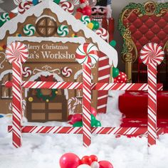 Gingerbread Christmas Decor, Candy Land Christmas, Outside Christmas Decorations, Christmas Yard Art, Christmas Party Themes, Christmas Projects, Christmas Diy, Outdoor Candy Cane Decorations, Gingerbread Houses