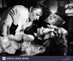 Download this stock image: RICHARD BURTON & ELIZABETH TAYLOR DIVORCE HIS - DIVORCE HERS (1973) - CC1ACC from Alamy's library of millions of high resolution stock photos, illustrations and vectors.