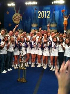 UK cheerleaders claimed 19th National Championship in 2012