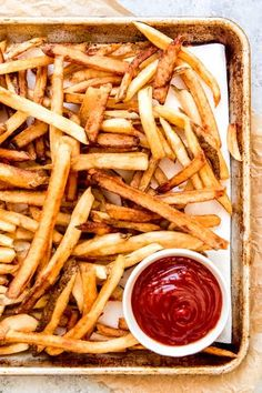 Crispy, golden, Homemade French Fries are better than any fries you might get at a burger joint or restaurant! Perfect french fries at home are easier than you might think using the simple techniques in this double-fried french fries recipe! Oven French Fries, French Fries At Home, Perfect French Fries, Best French Fries, Making French Fries, Crispy French Fries, French Fries Recipe, Fries In The Oven, Chips