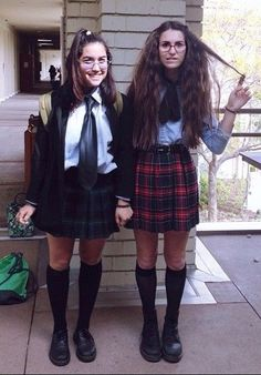 Mia Thermopolis and Lilly Moscovitz
